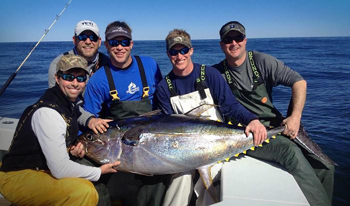 Yellowfin tuna venice la fish with mgfc for yellowfin tuna for Tuna fishing louisiana